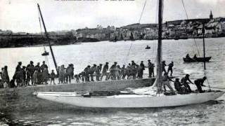 Repeat youtube video BRETAGNE FINISTERE DOUARNENEZ 1900 PAR  LES  CARTES  POSTALES  ANCIENNES