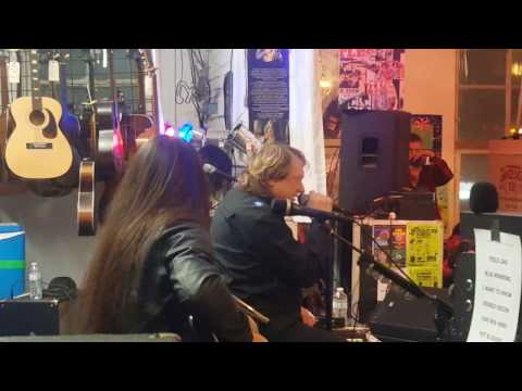 Lou Gramm- Double Vision (Live House of Guitars, Rochester, NY: 12/3/16)