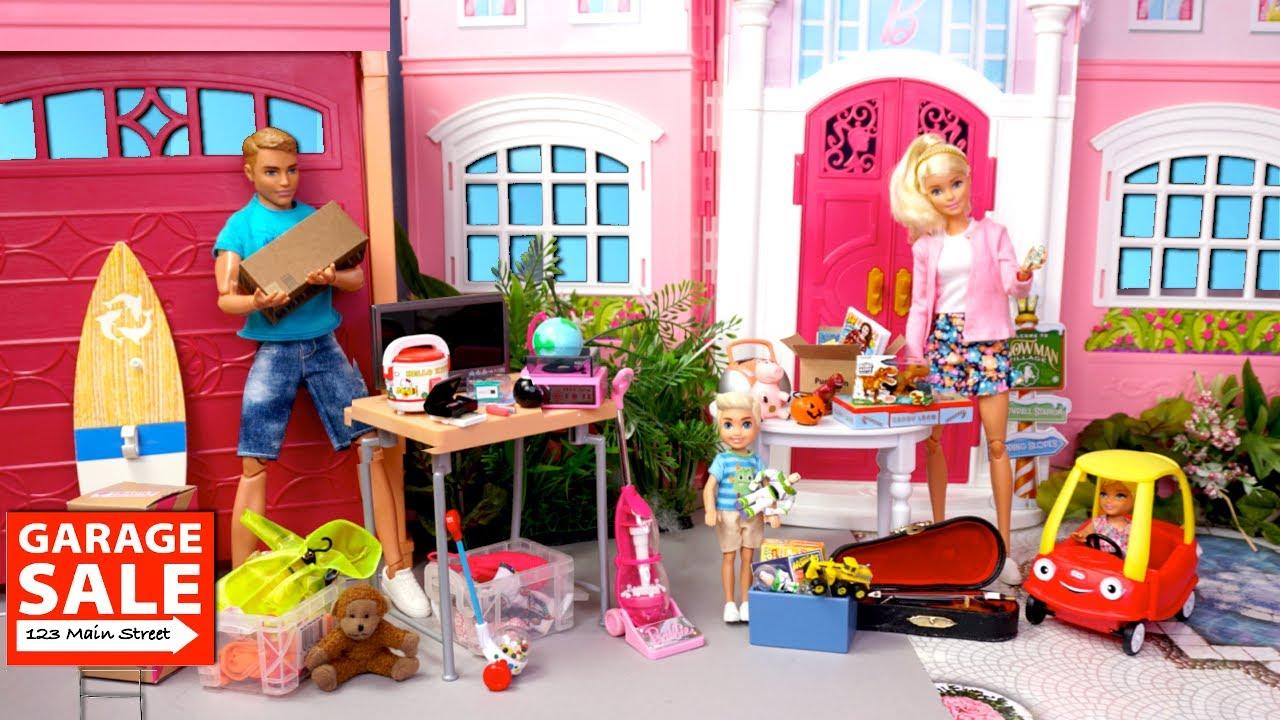 Barbie & Ken Family Cleaning Routine Garage Sale