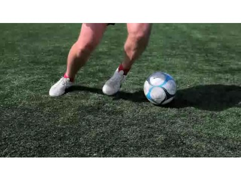 How to Do the Nutmeg | Soccer Lessons