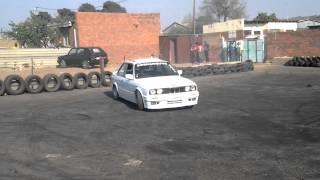 Repeat youtube video Gusheshe 325i RBM @Soshanguve Spin Kingz Spin City.mp4