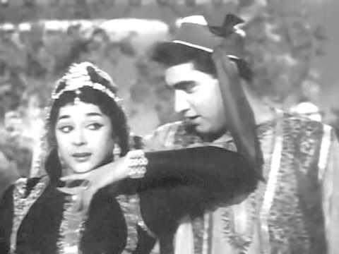 AADHI RAAT KE BAAD 1965 kaafir nazar takrayi dil ki hui ruswaai Asha Rafi Chitragupta Anand Bakshi