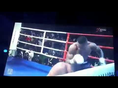 Bondia Hassan Mwakinyo Kamfumua Muargentina huko Nairobi Kenya kwa K.O round ya 5