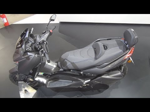 Yamaha XMAX 300 Tech Max (2020) Exterior and Interior