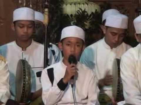 AL Munsyidin vokal merdu TIO