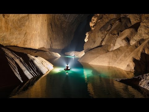 Sơn Đoòng Cave in VietNam - World's largest cave