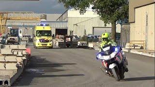 (Spoedbegeleiding) Politiemotor + Ambulance 21-113 vanaf Lifeliner inzet  in de haven van Oss!