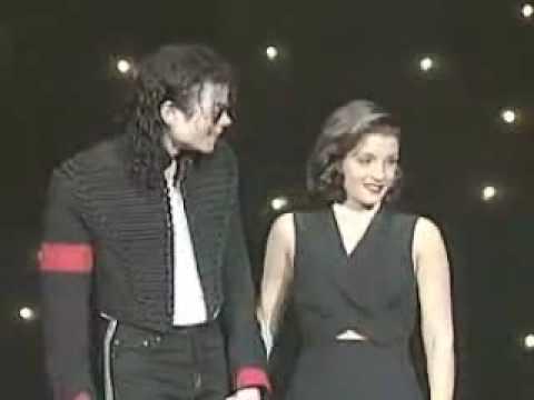 Michael Jackson & Lisa Marie Presley share a kiss onstage