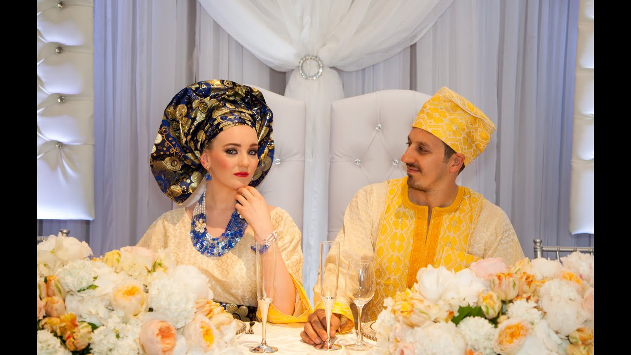 The Wedding sofa and Top Table Decor
