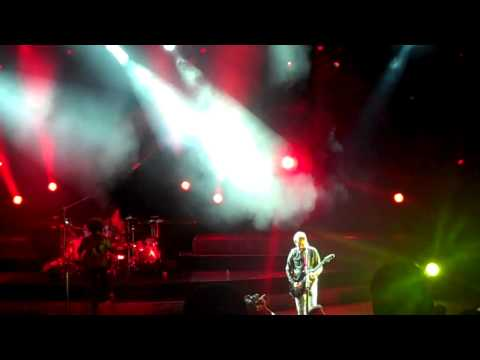 ALICE IN CHAINS We Die Young Live At The Uproar Festival at Shoreline Mountain View CA 9.11.2013
