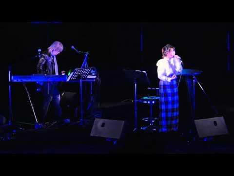 29 Nov., 2015 Tetsuya Komuro and Miu Sakamoto 小室哲哉&坂本美雨 - I'm proud @ 東京競馬場