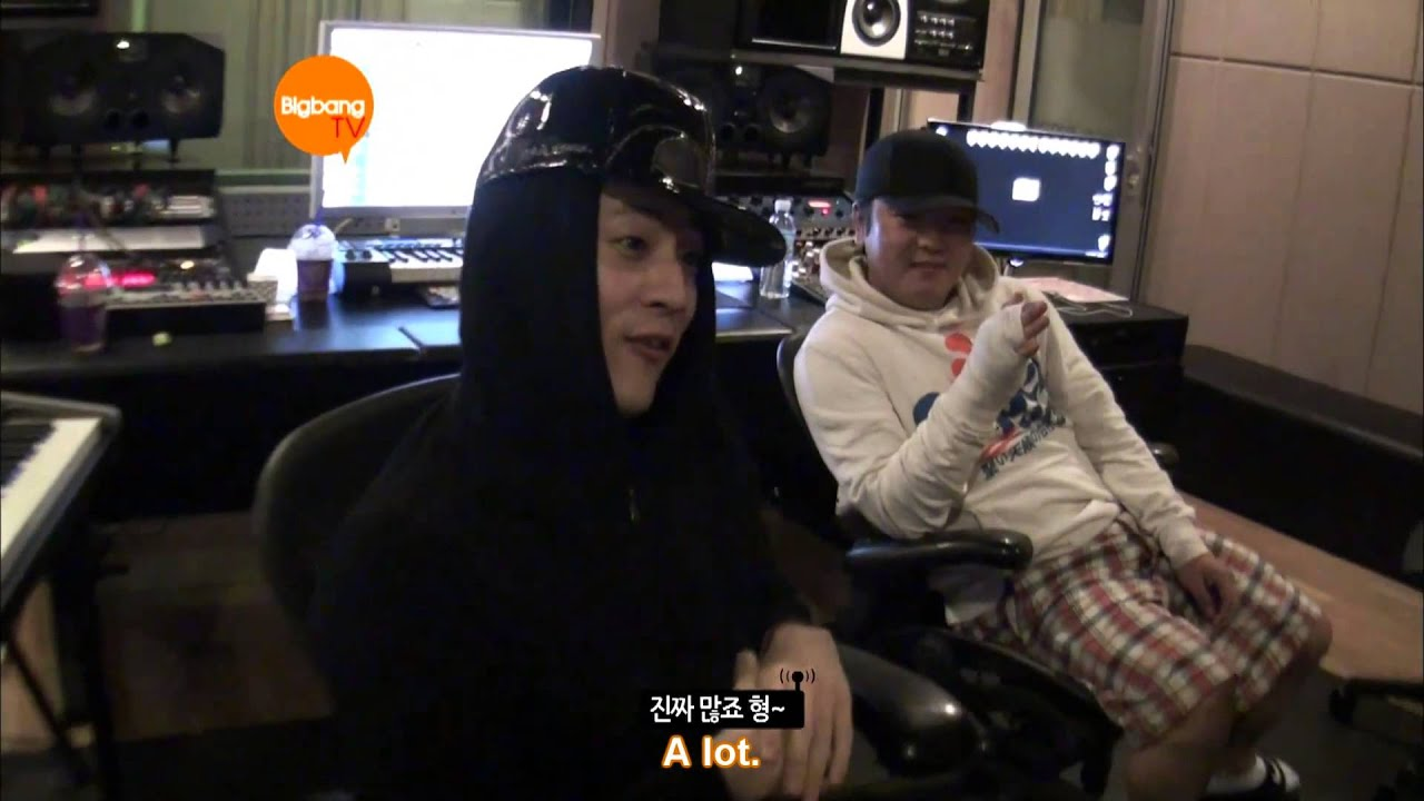 G-Dragon Working/Hanging Out With Teddy & YG [HD] [ENG] - YouTube