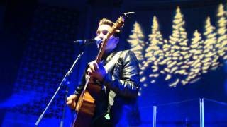 Andy Grammer- Chasing Cars (Acoustic Christmas 2011)