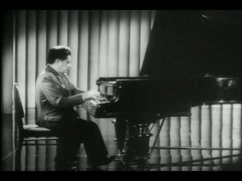 Grigory Ginzburg plays Liszt La Campanella.