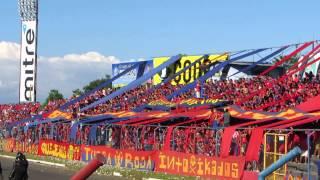 Turba Roja - En el estadio quiteño hay una banda