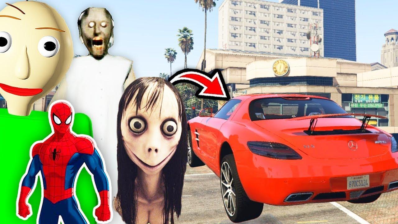Örümcek Adam Baldi Büyükanne Momo Spor Arabalarla Rampadan Uçuyor (Çizgi Film Tadında)