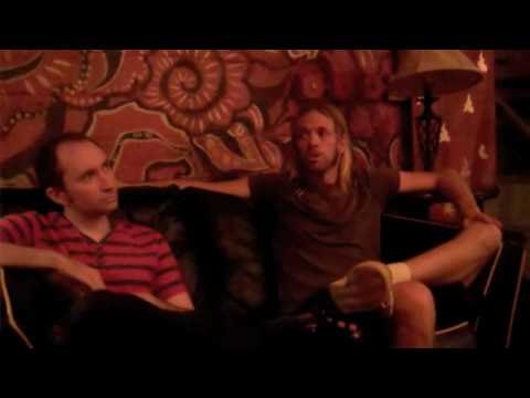 Taylor Hawkins Interview in NYC Part I - YouTube