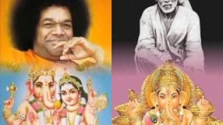 """Sri Sathya Saibaba singing """"Shuklam Baradharam"""" Bhajan"""