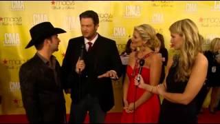 lauren alaina co host cmas red carpet blake shelton interview