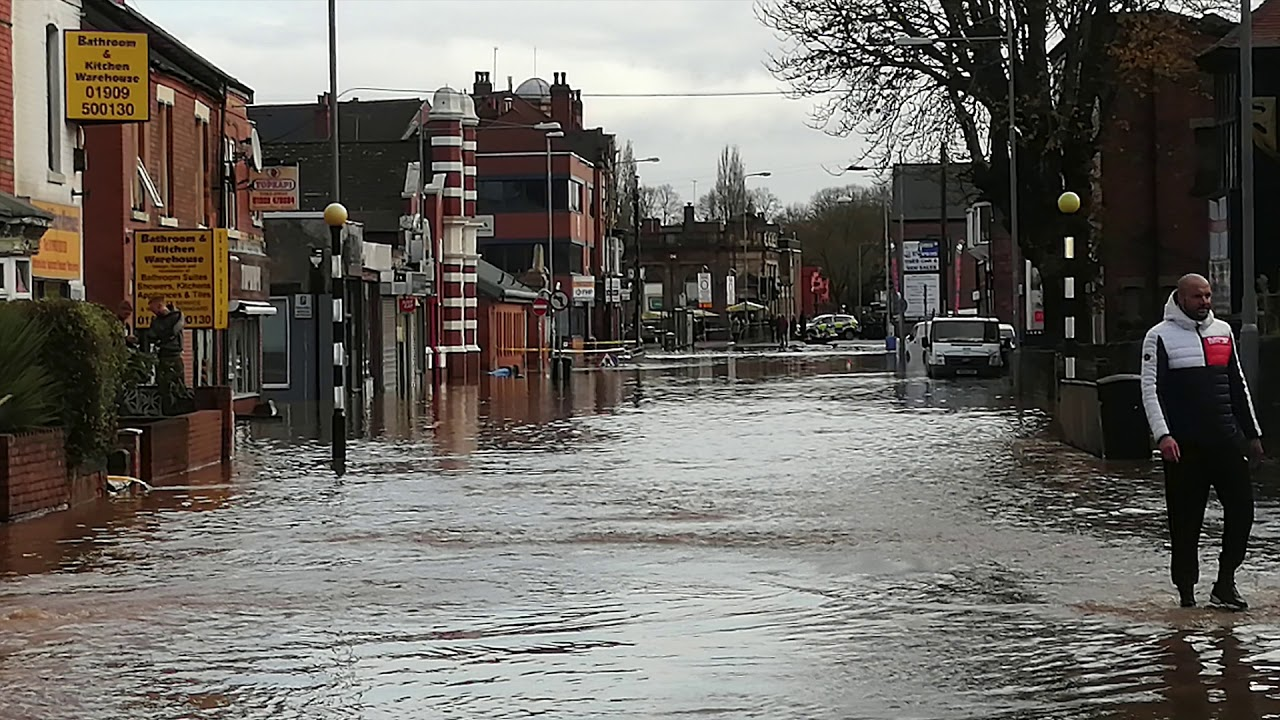 Worksop 2019 town centre flooding. - YouTube