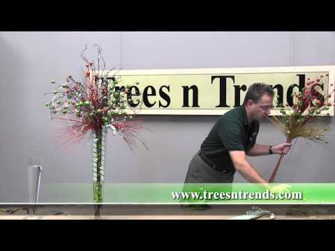 How To Create A Christmas Table Centerpiece - Trees n Trends - Unique Home Decor