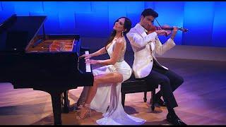 Смотреть клип Lola Astanova & David Aaron Carpenter - Canon In D