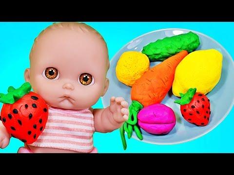 Куклы Пупсики кушают на пикнике фрукты и овощи, открывают сюрпризы Плей До Маша и Медведь. Зырики ТВ