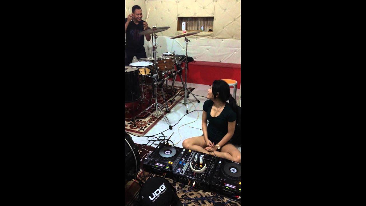 Dj Acha with Yuga Percussion prepare for event CSB Mall Cirebon Fashion  Week 23 oct 2015