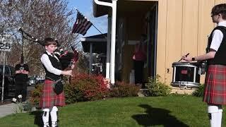 Highland-style neighborhood concert