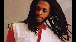 Ini Kamoze Hot steppa