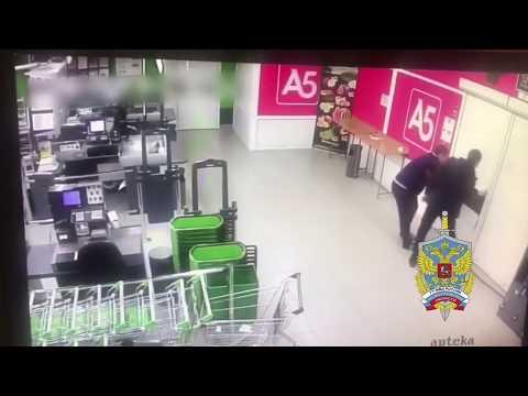 Охранники ограбили магазин который охраняли