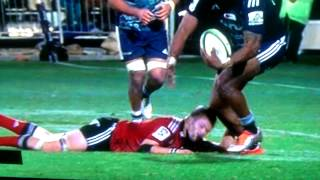 Richie McCaw gets knocked out!