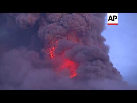 Expert: erupting Philippine volcano still swelling with magma below