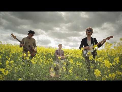 """Figurines  """"Lucky To Love"""" (official video)"""
