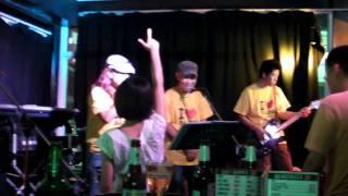 2011年4月バンコクの定期ライブイベント「Fujiyama Night VOL11」にて、...