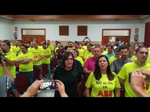 Protesta de la situación laboral en ABB en el Pleno municipal organizativo de Córdoba