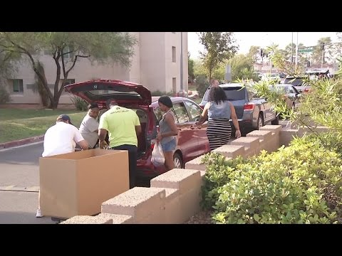UNLV students moving in dorms today