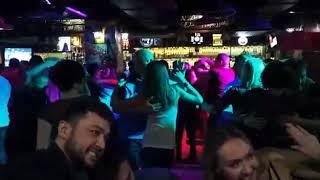 Смотреть видео Сальса вечеринка в Либерти бар Москва онлайн