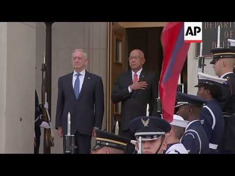 Mattis welcomes Philippines secretary of defense