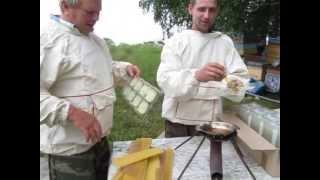 производство сотового мёда в пластиковой упаковке  часть 1(, 2013-07-14T12:11:37.000Z)
