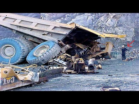 TOP World's Idiots Dangerous Heavy Truck Operator Driving | Extreme Excavator Fail Win Recovery