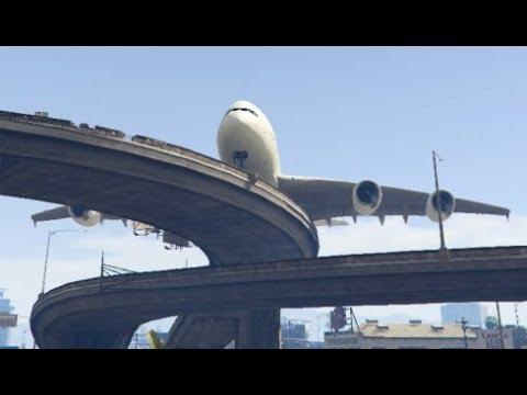 GTA 5- Big Airbus 'a380' Emergency Landing at Rounded Bridge