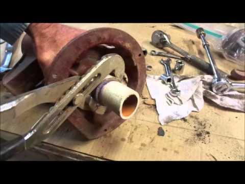 Rebuilding a Old Well Hand Pump - DIY