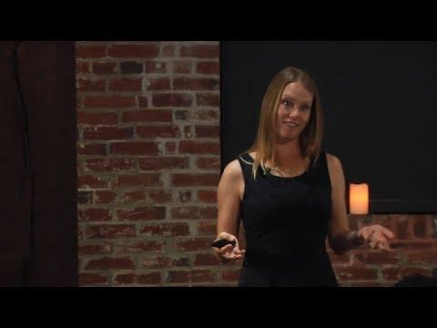 Faculty Dinner Speaker 2017: Nicole Miller-Struttmann