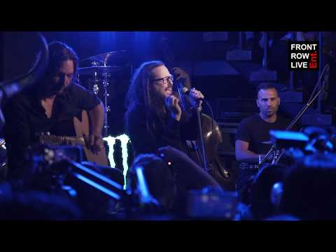 "Jonathan Davis Performs ""Final Days"" at 'Black Labyrinth' Album Release Party"