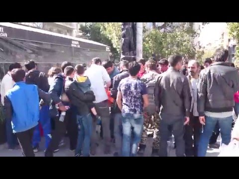 Refugees in Victoria Square Athens - Πρόσφυγες στην πλατεία Βικτωρίας