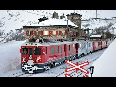 Alp Grüm - Berninapass - Switzerland -  Zug, trainfart, train