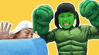 슈퍼히어로 유니 위험에 빠진 할아버지 도와드리기 Superhero Rescue mission - Romiyu Story [로미유 스토리]