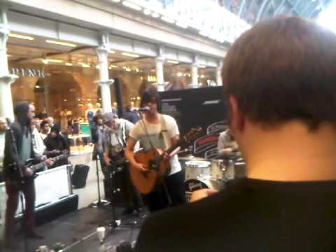Get Cape. Wear Cape. Fly - Waiting for the Monster to Drown (Live) @ St. Pancras Station Sessions