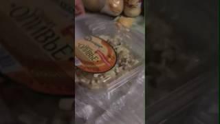 Найденная в покупном оливье мышь превратилась в огурец